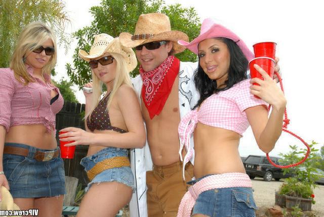 Фото Вечеринка ранчо эротика