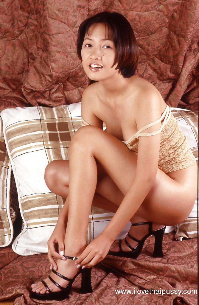 Фото Азиатская домохозяйка эротика