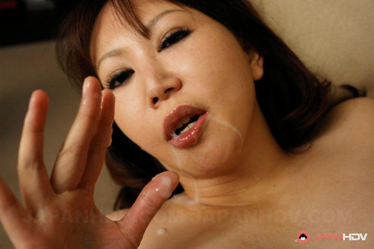 Фото Азиатская горничная эротика