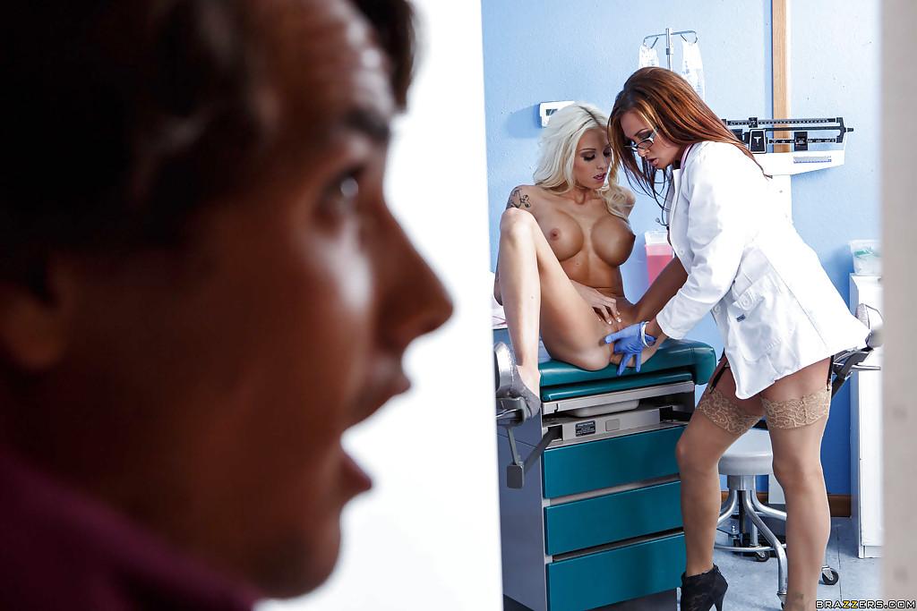 Фото врачиха эротика