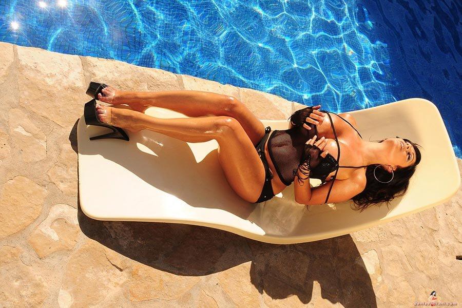 Фото тело бассейна эротика