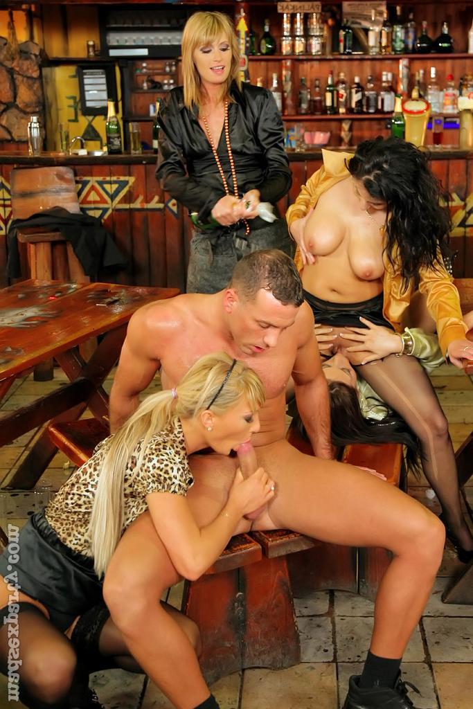 Фото вечеринка эротика