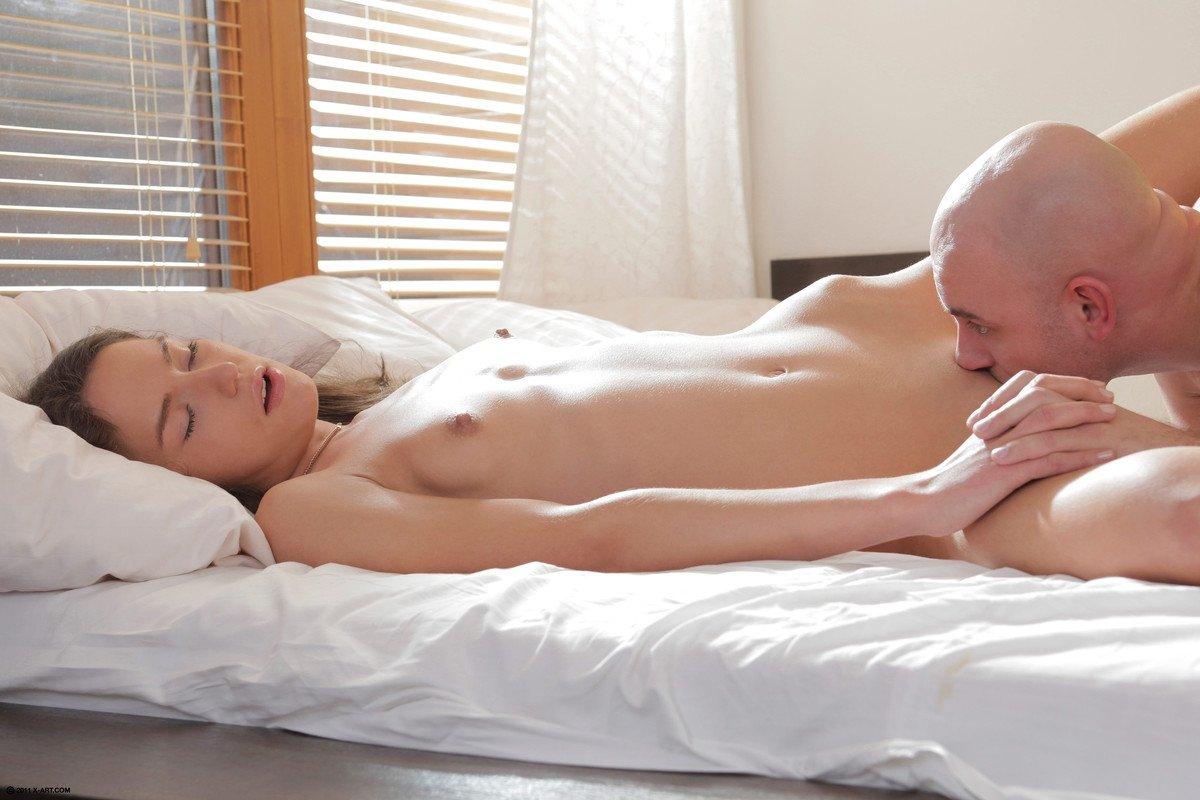 Фото разбудить эротика