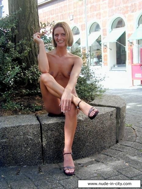 Фото Женщина голышом эротика