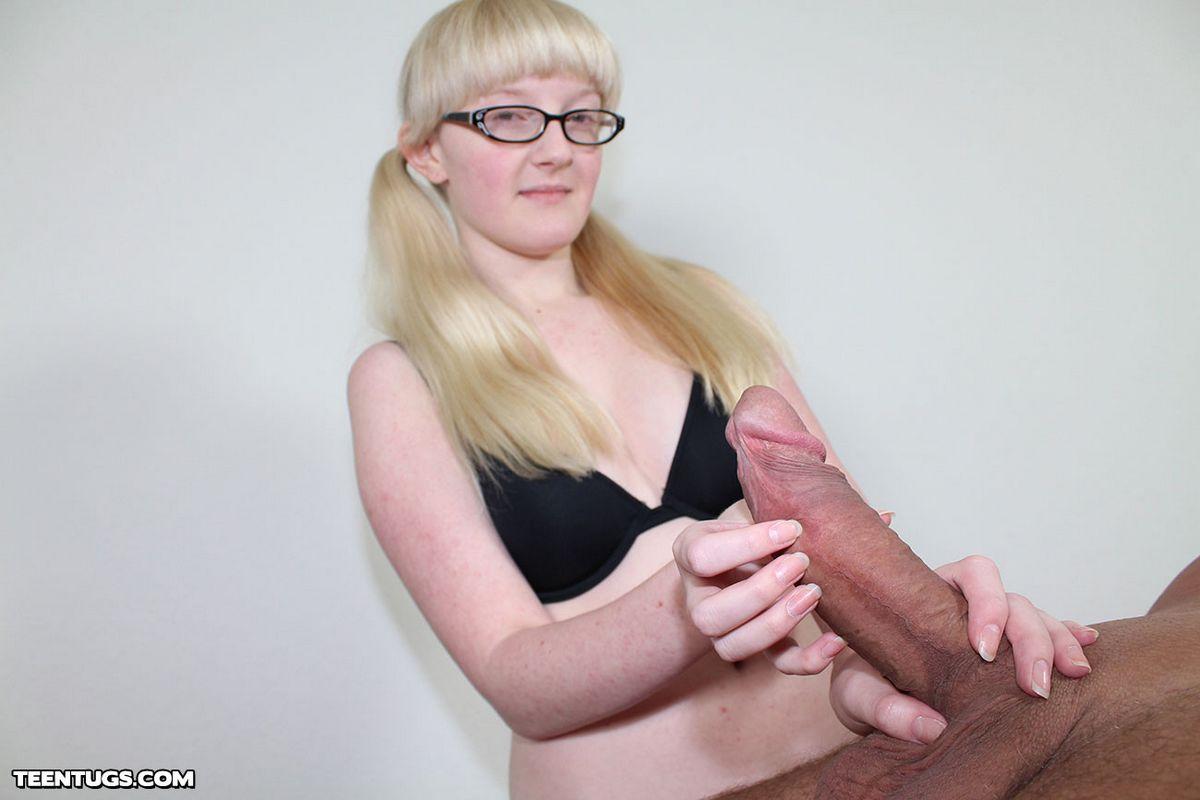 Фото подрочила пенис эротика